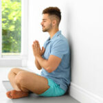 Use a well to support your meditation posture!